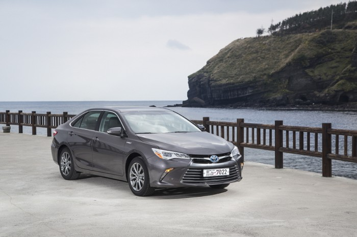 TOYOTA All New Smart Camry Hybrid XLE (1)
