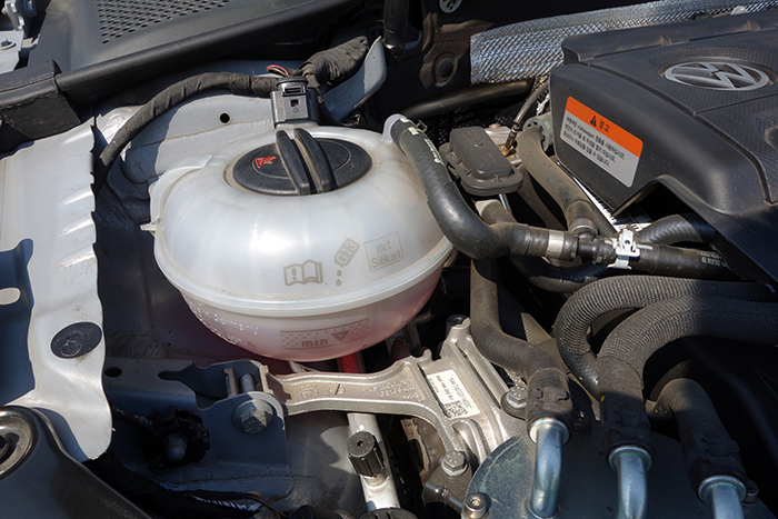 VW-GOLF-05