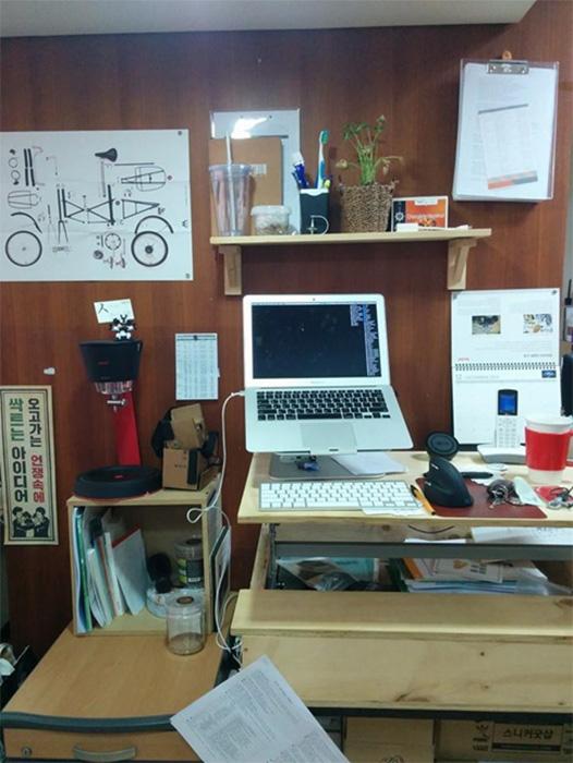 standing desk 07