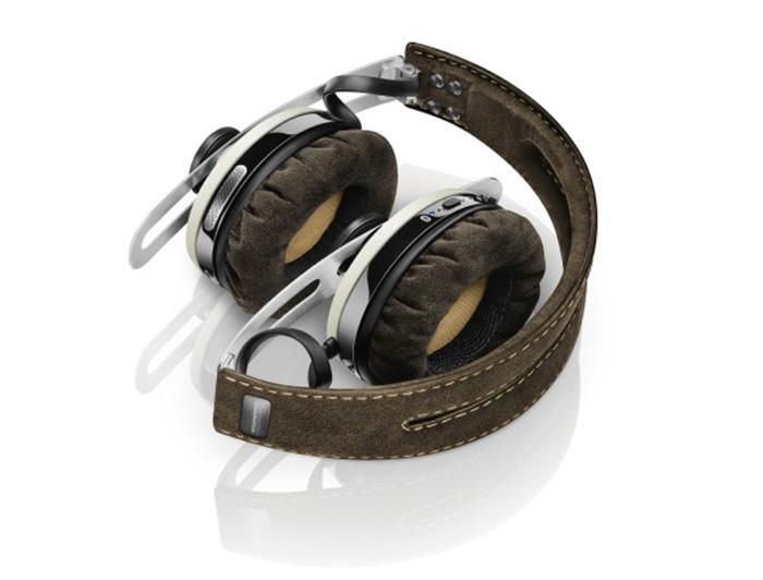 MOMENTUM On-Ear Wireless (1)