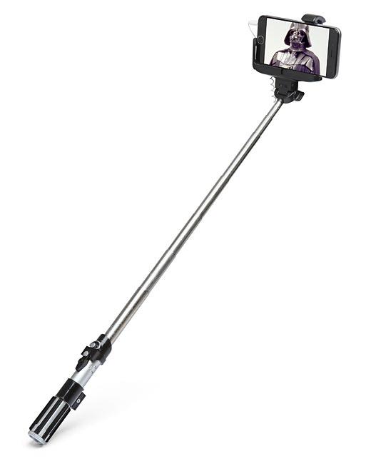 Star Wars Lightsaber Selfie Stick (1)