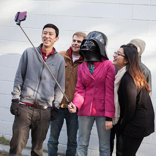 Star Wars Lightsaber Selfie Stick (2)