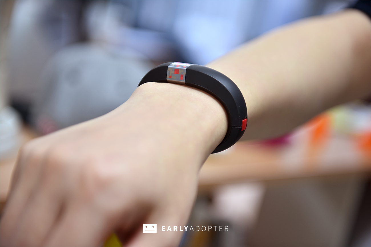 gameband minecraft wearable band review (14)