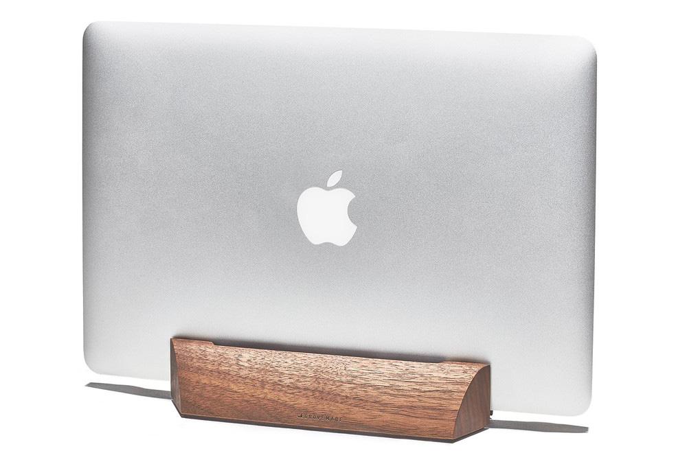 walnut-desk-collection-MacBookAir-dock-galA-A1_1000x1000_90