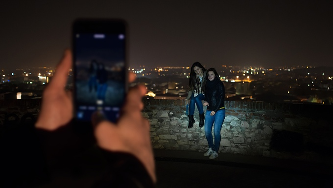 Flens - The first flashlight booster for smartphones (1)