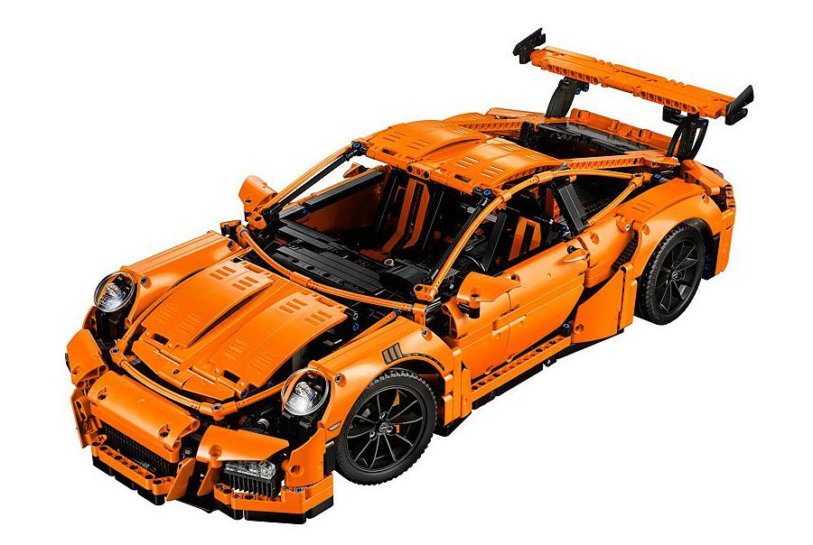 LEGO Technic Porsche 911 GT3 RS (1)