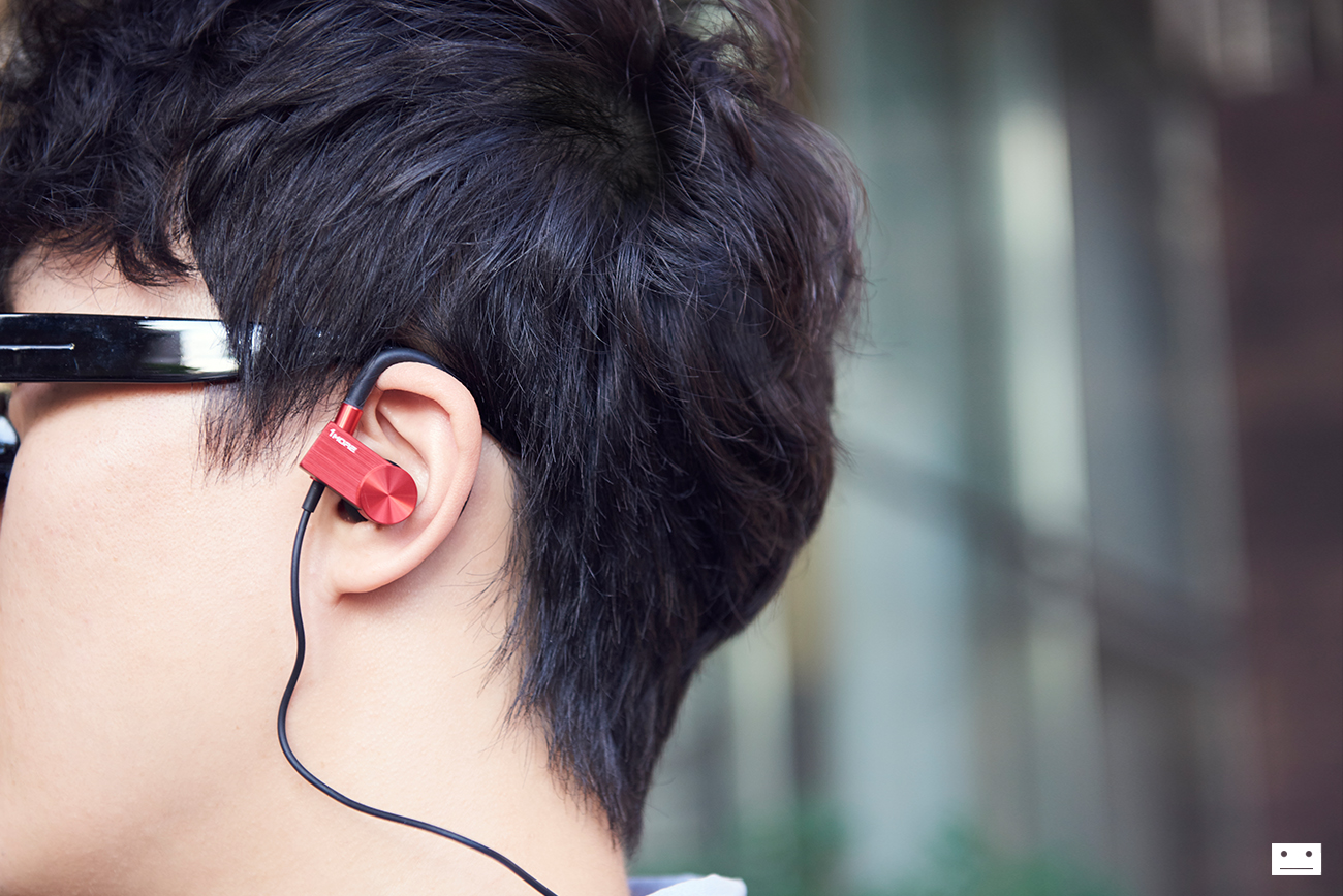 1more-eb100-active-cluetooth-in-ear-headphones-earphone-review-6