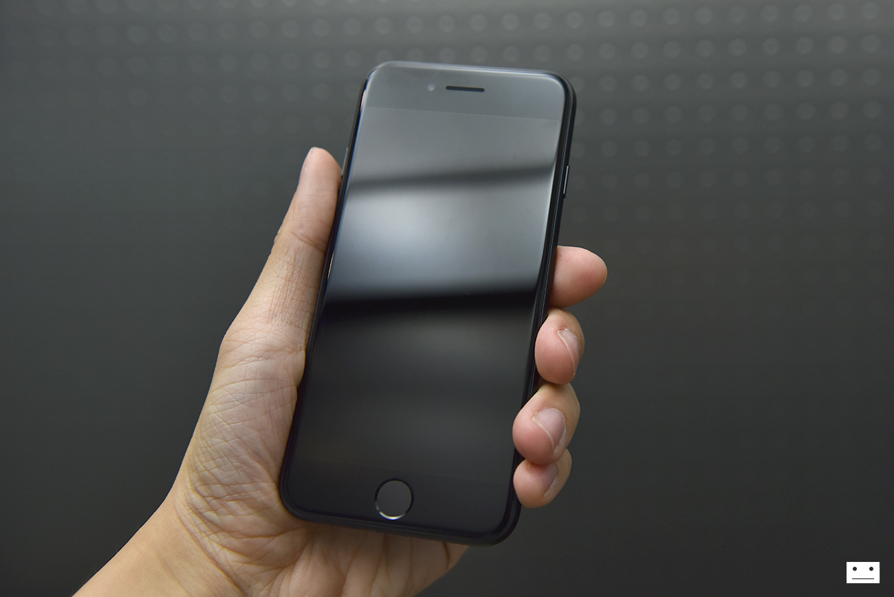 apple-iphone-7-black-review-1