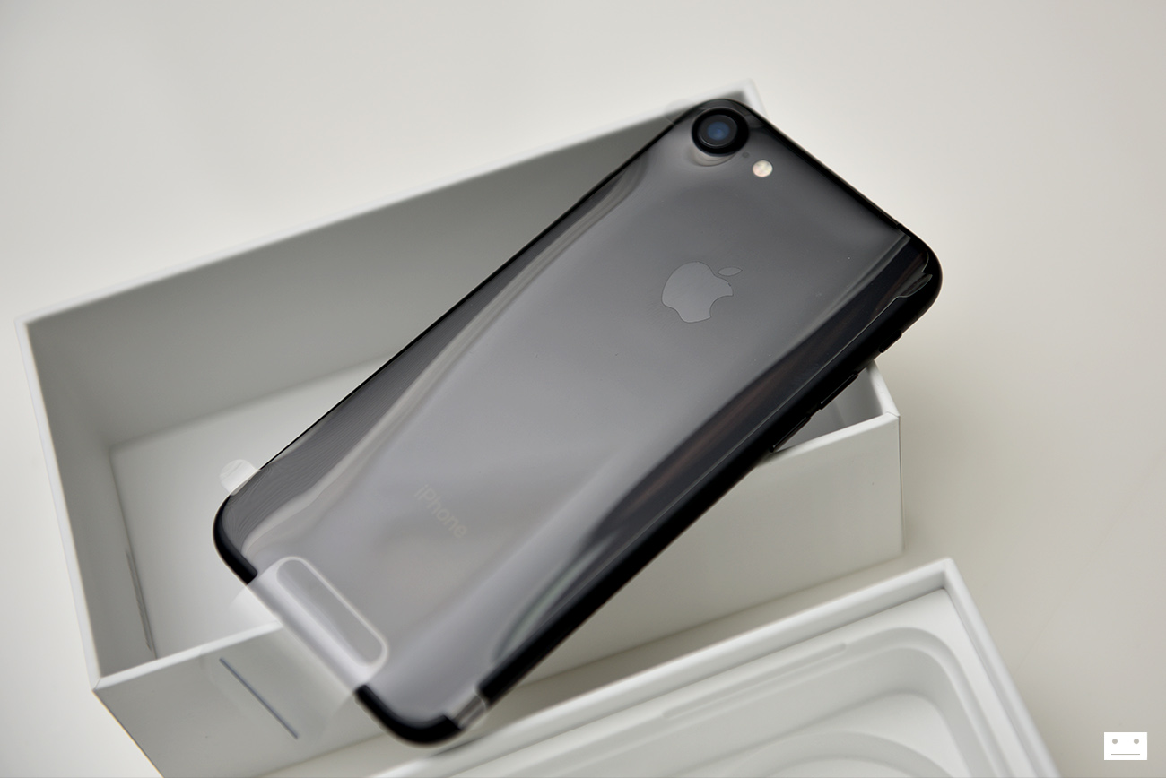apple-iphone-7-black-review-7