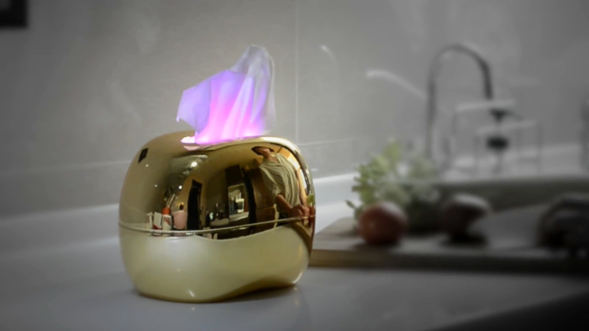 aurora-smart-led-glowing-tissue-case-5