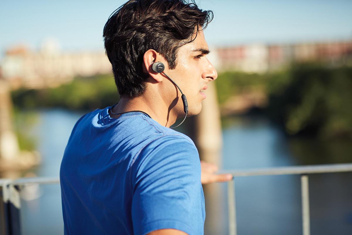 bose-soundsport-pulse-bluetooth-earphones-6