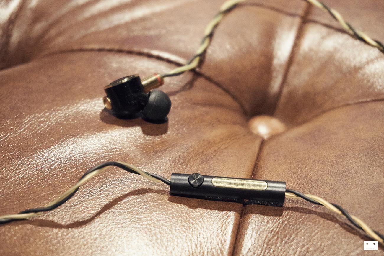 onkyo-e900m-hi-resolution-earphone-review-11