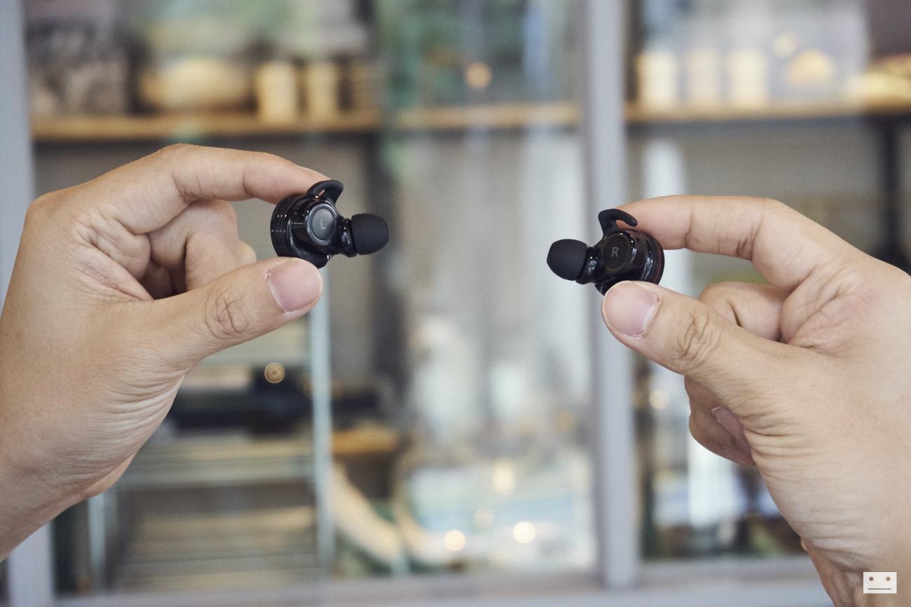 onkyo-wireless-bluetooth-earphones-w800bt-review-17