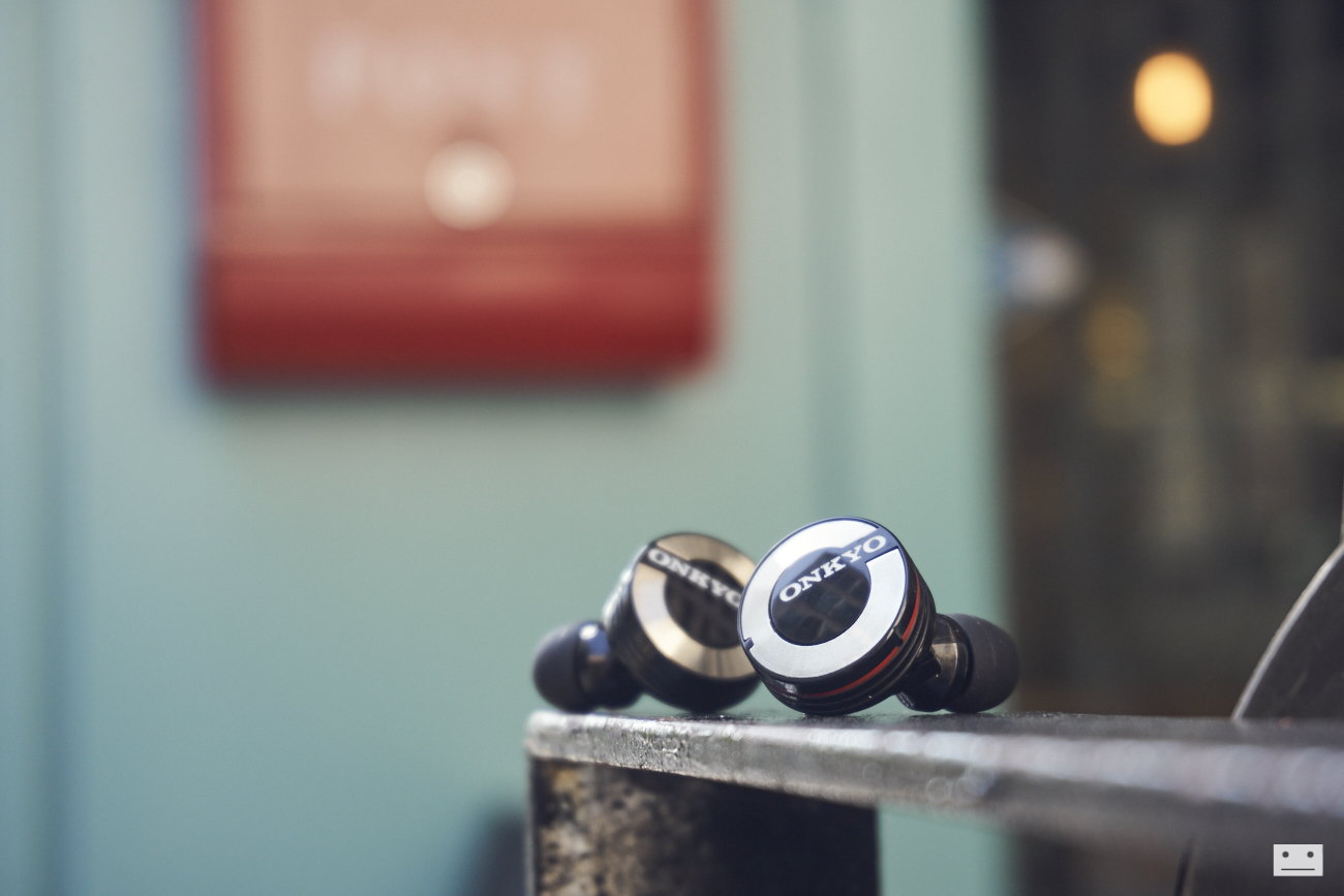 onkyo-wireless-bluetooth-earphones-w800bt-review-18