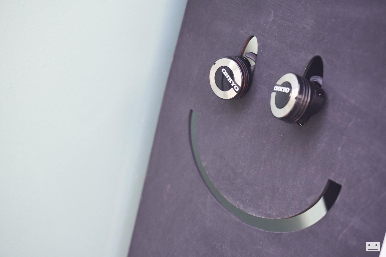 onkyo-wireless-bluetooth-earphones-w800bt-review-19