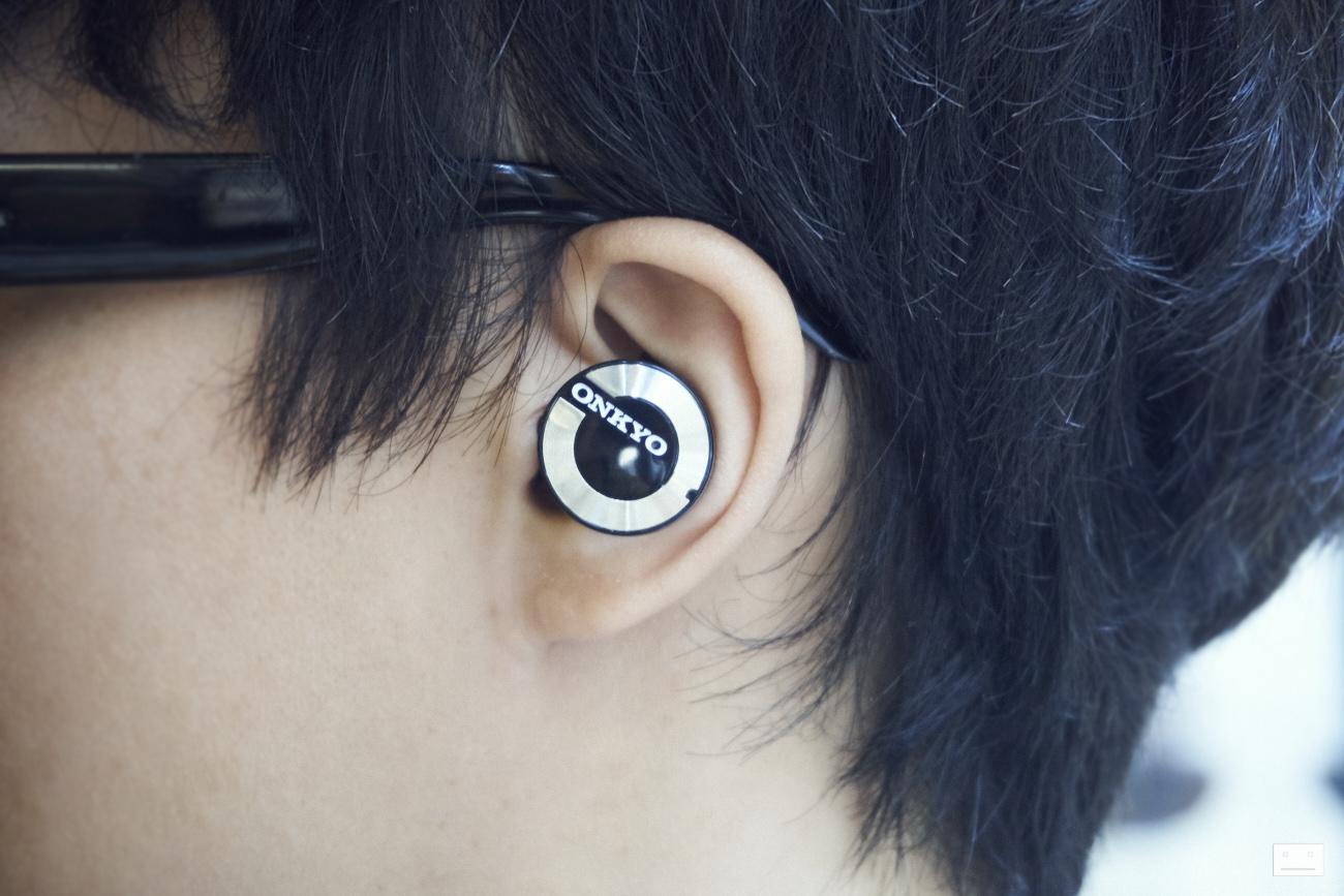 onkyo-wireless-bluetooth-earphones-w800bt-review-5