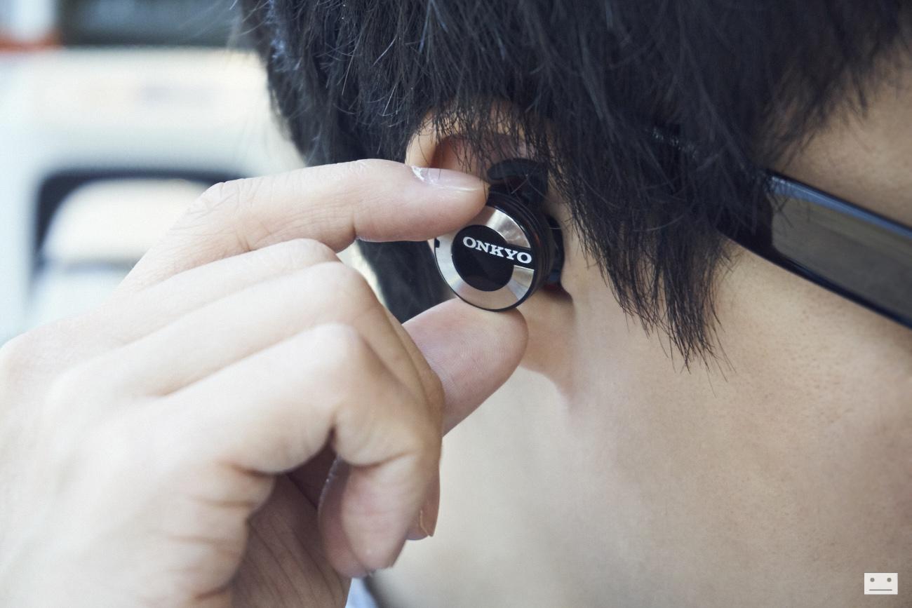 onkyo-wireless-bluetooth-earphones-w800bt-review-6