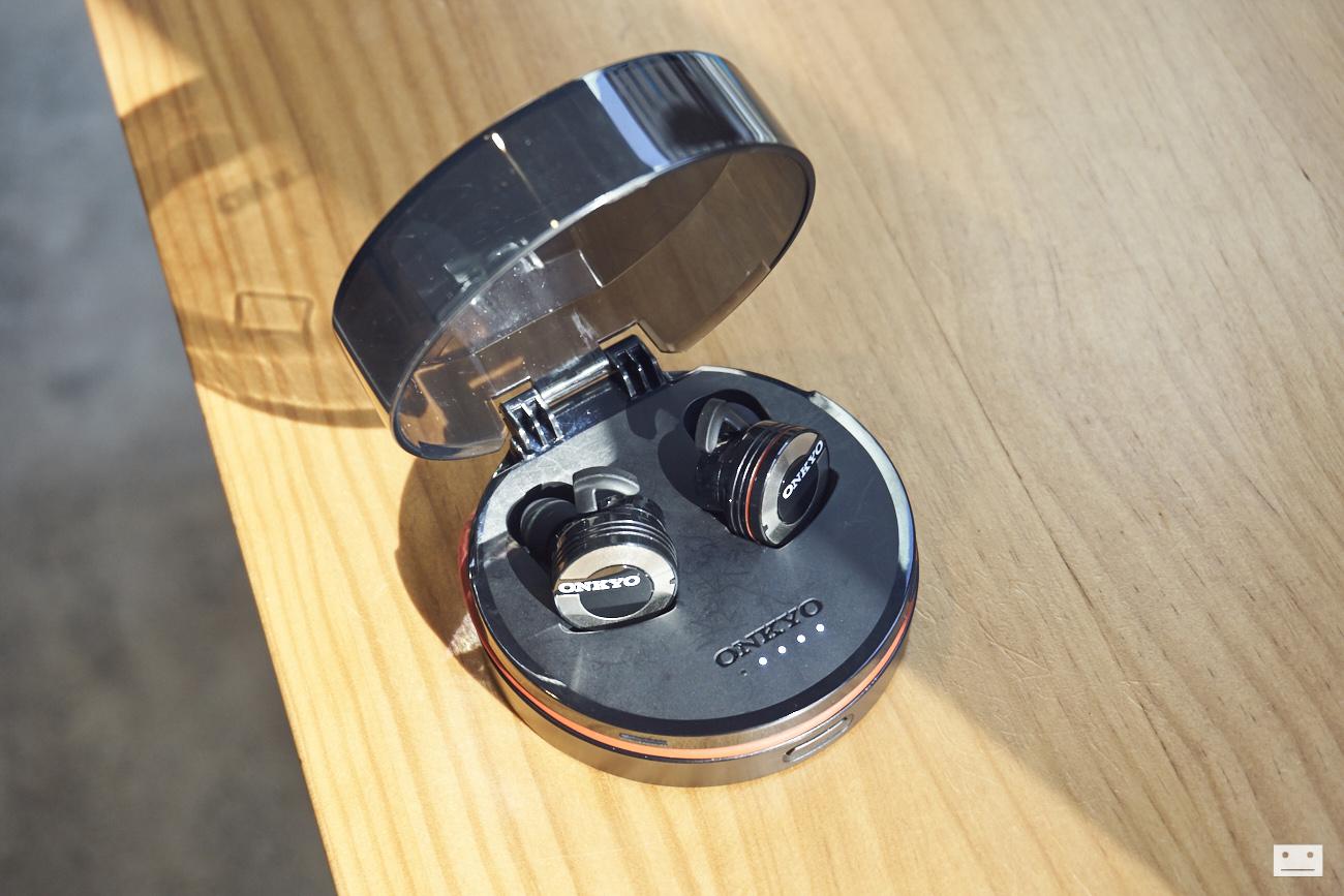 onkyo-wireless-bluetooth-earphones-w800bt-review-9