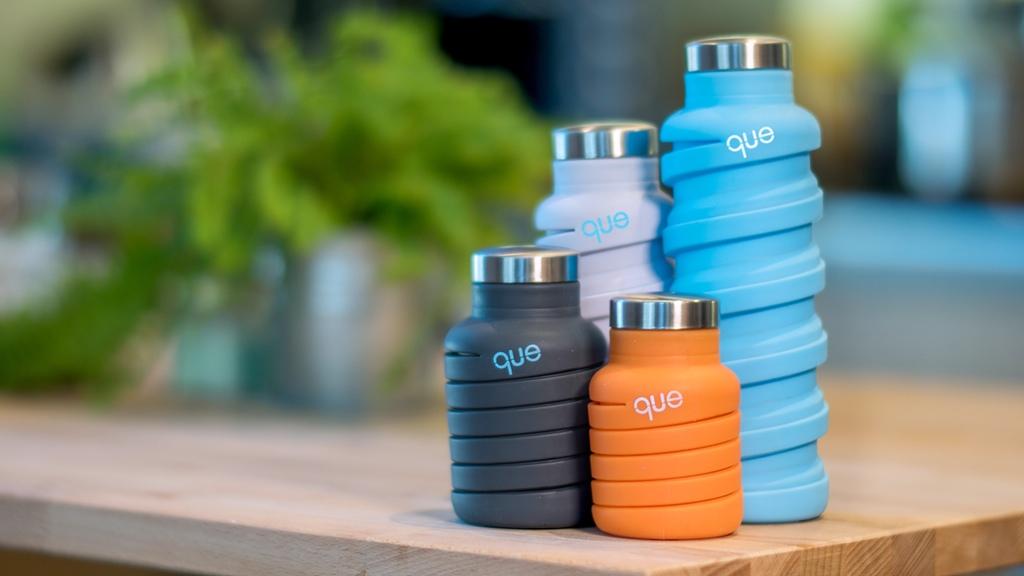 que-fashionable-collapsible-travel-bottle-4