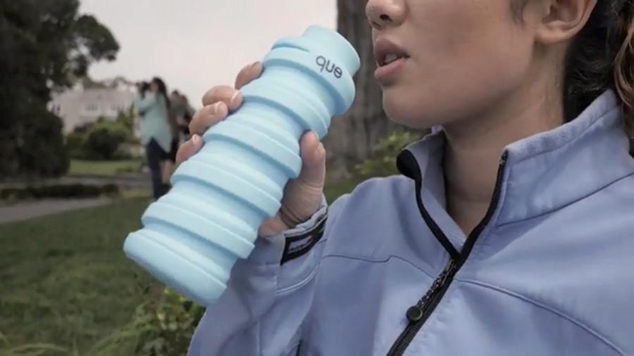 que-fashionable-collapsible-travel-bottle-5
