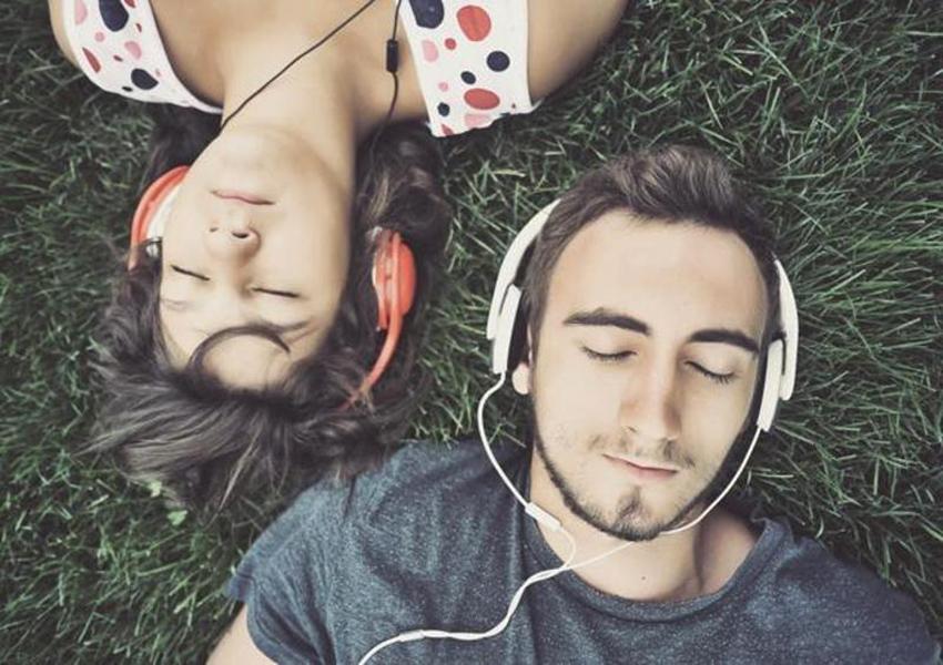 velo-share-music-via-bluetooth-2