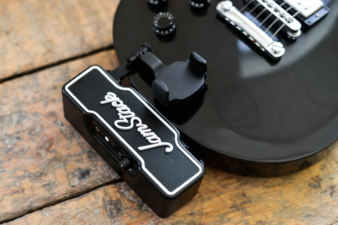 jamstack-mini-amp-for-electric-guitar-and-bass-3