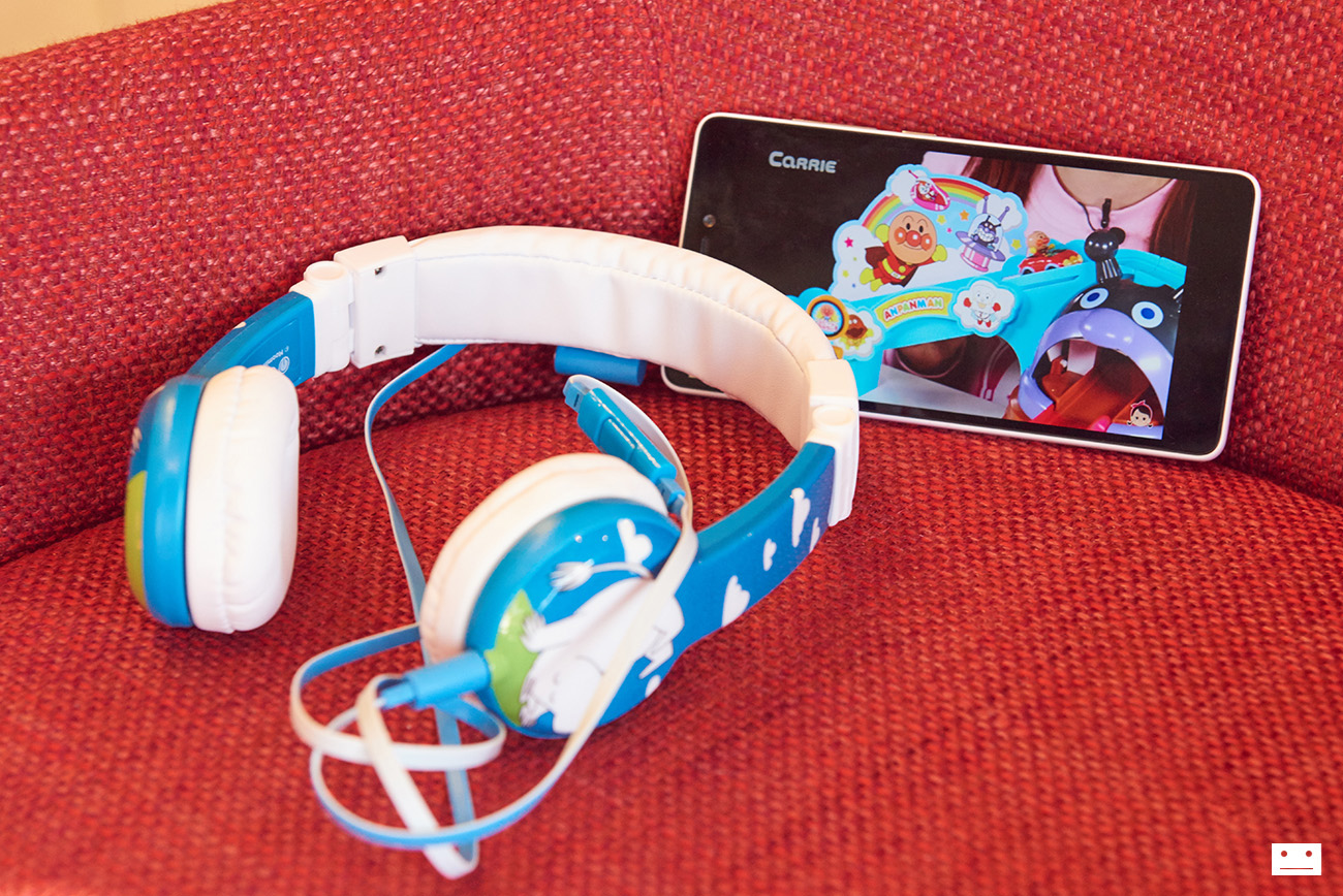 onandoff-buddyphones-moomin-collaboration-headphones-for-kids-11