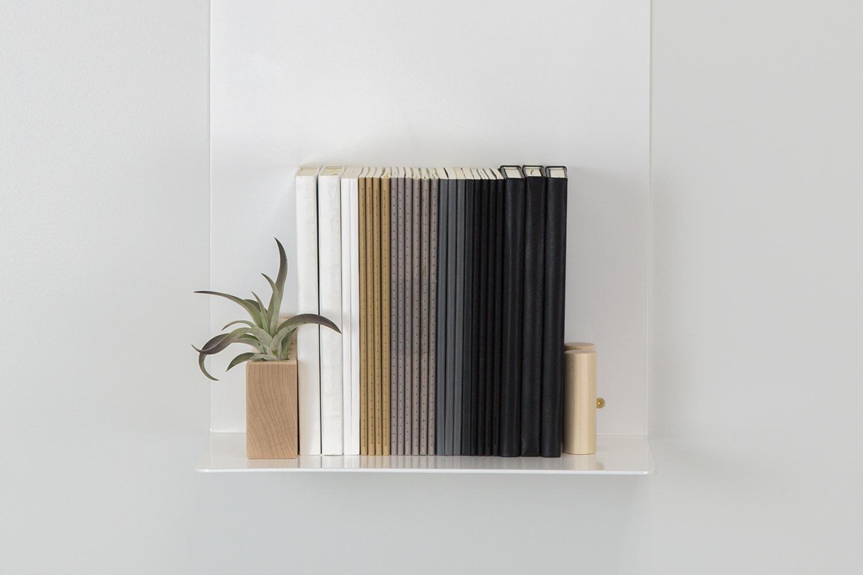 artifox-shelf-white-and-black-2