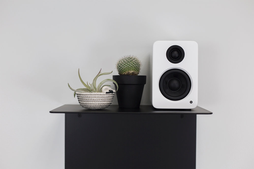 artifox-shelf-white-and-black-6