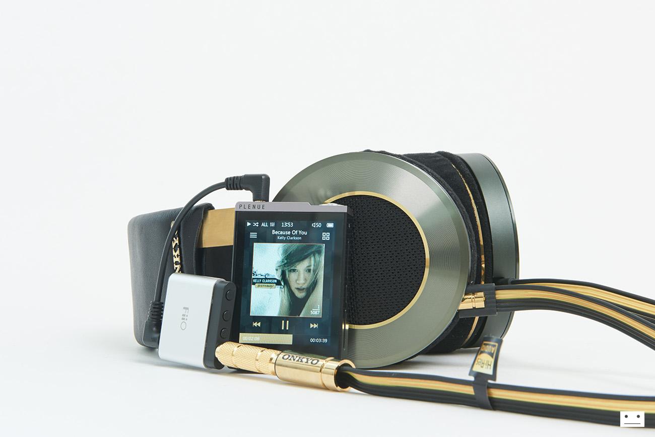 onkyo-hi-res-premium-headphone-a800-12