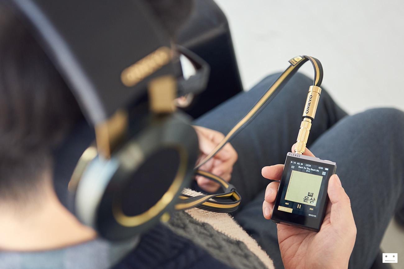 onkyo-hi-res-premium-headphone-a800-14