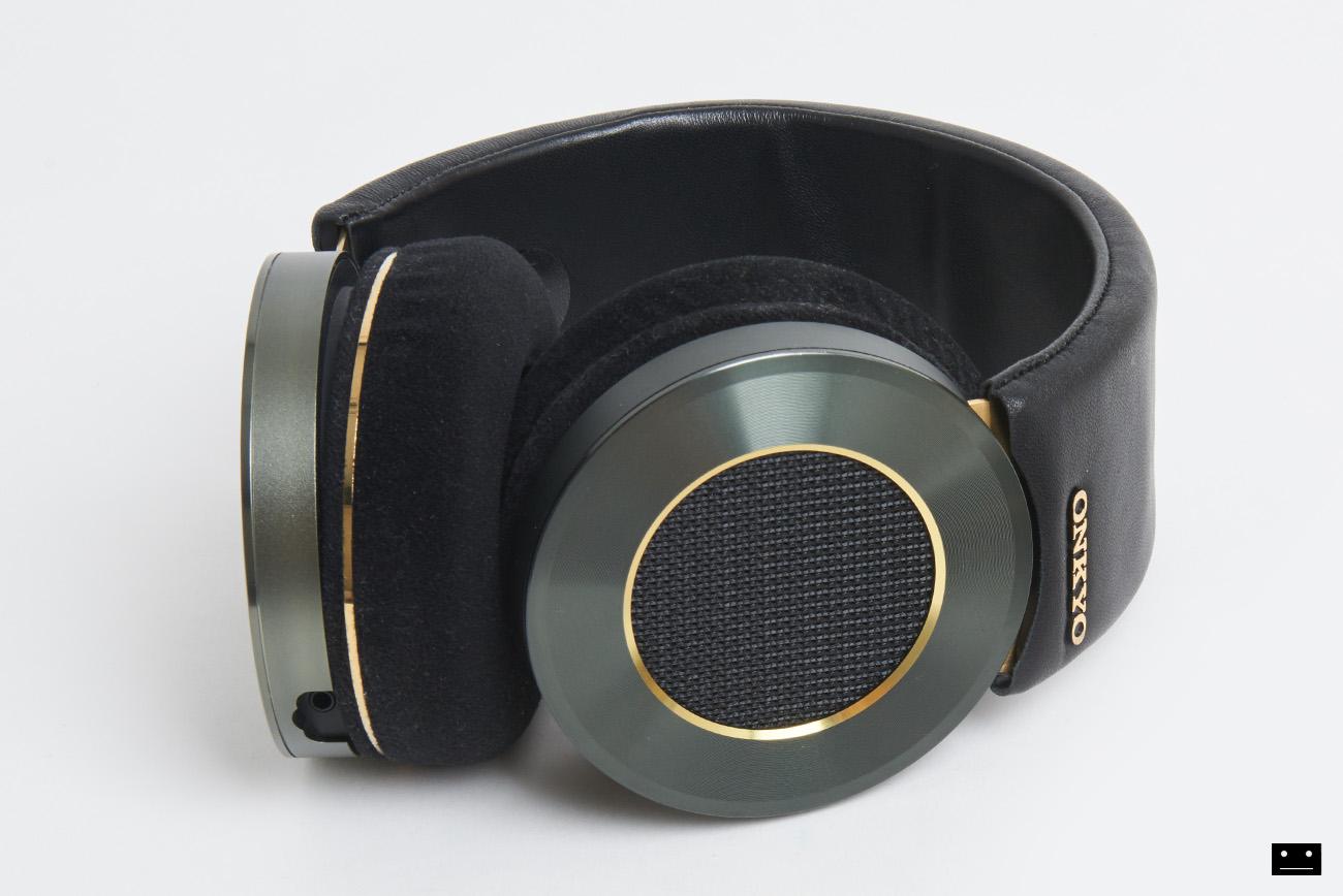 onkyo-hi-res-premium-headphone-a800-2