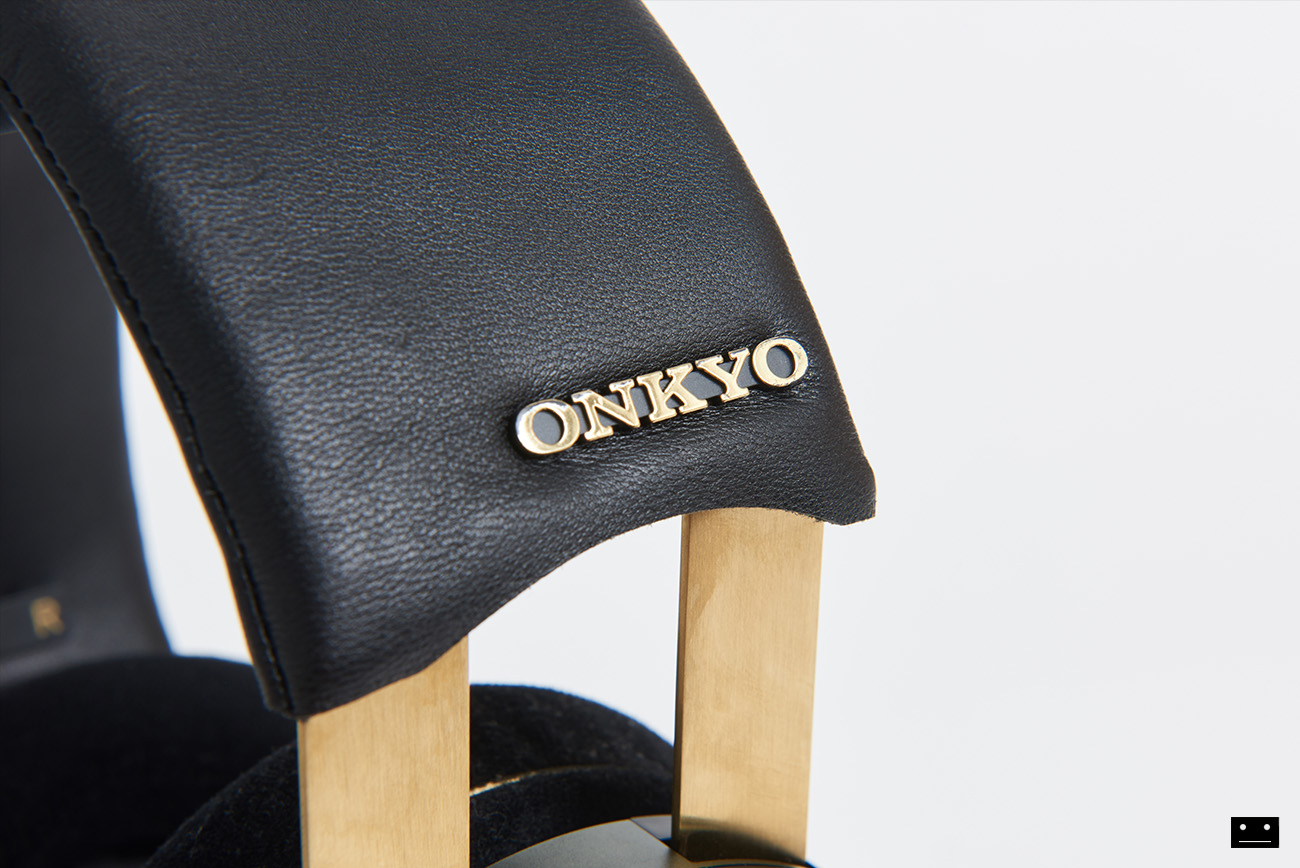 onkyo-hi-res-premium-headphone-a800-3