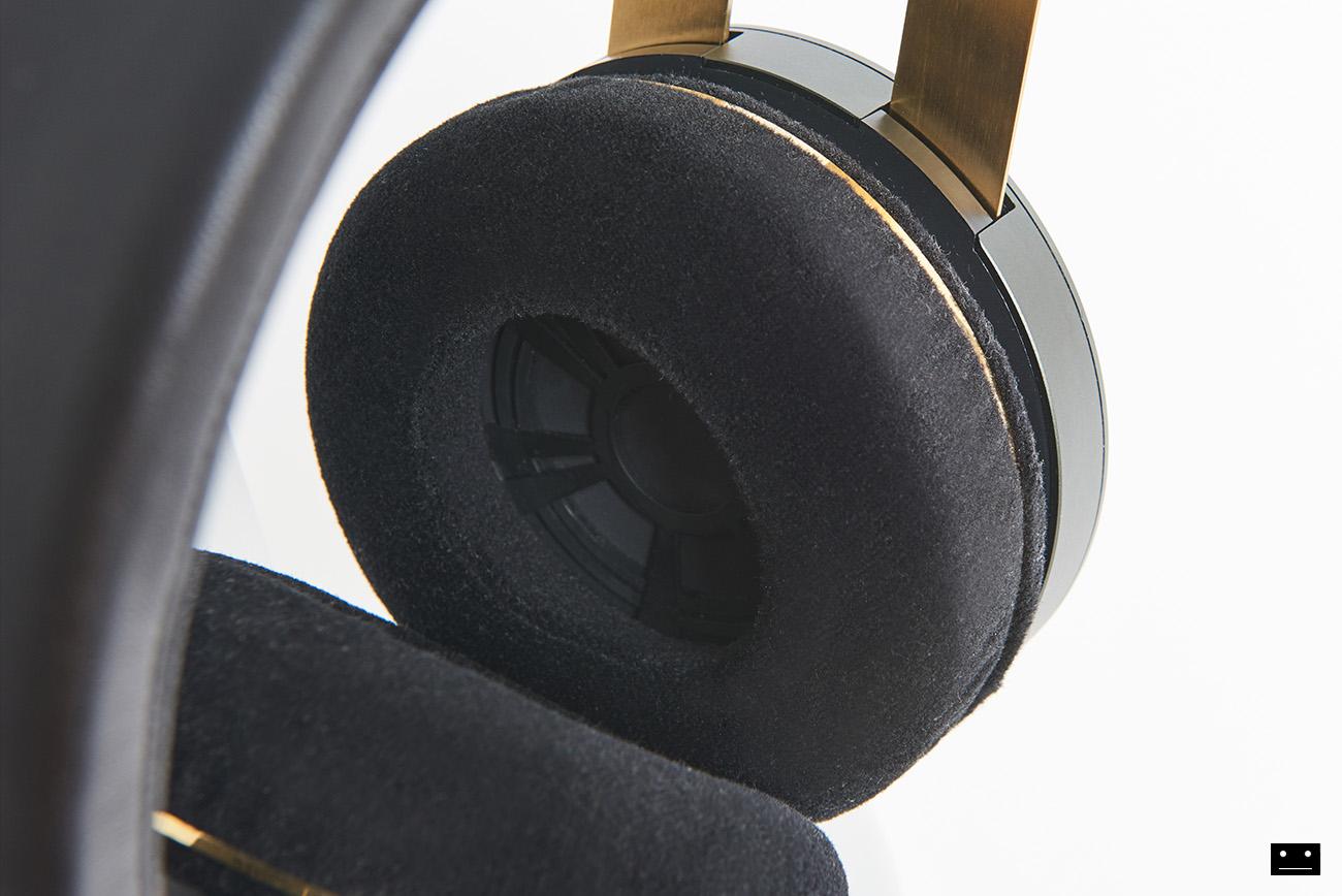 onkyo-hi-res-premium-headphone-a800-4