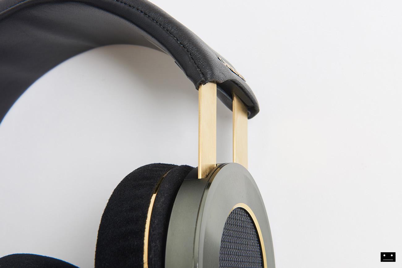 onkyo-hi-res-premium-headphone-a800-5