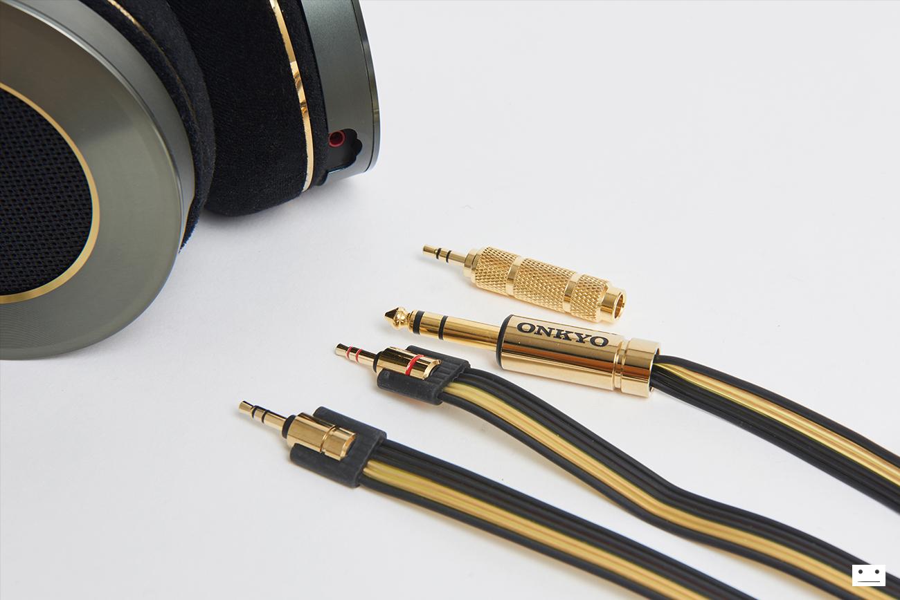 onkyo-hi-res-premium-headphone-a800-9