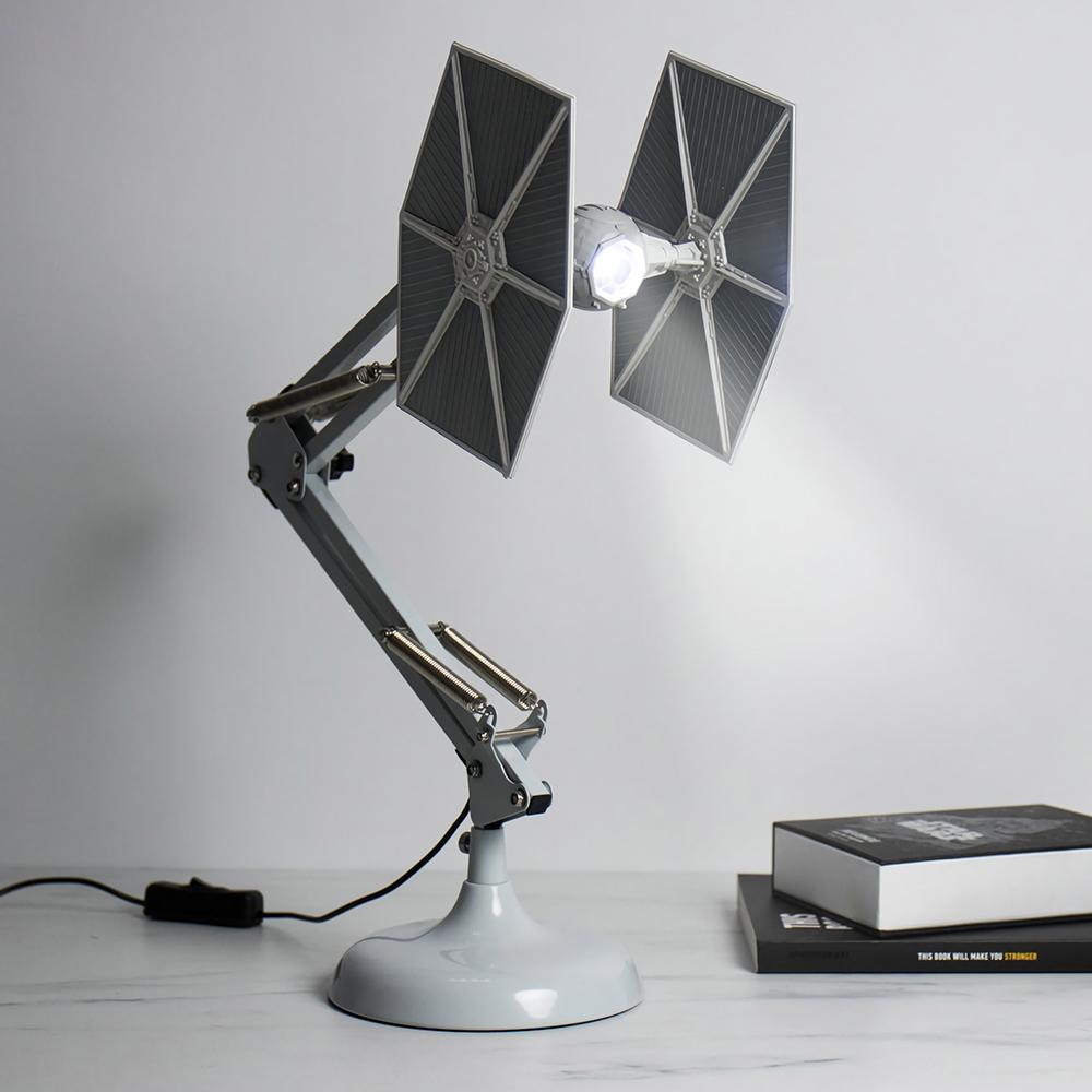 탁상용 램프가 된 스타워즈 타이 파이터