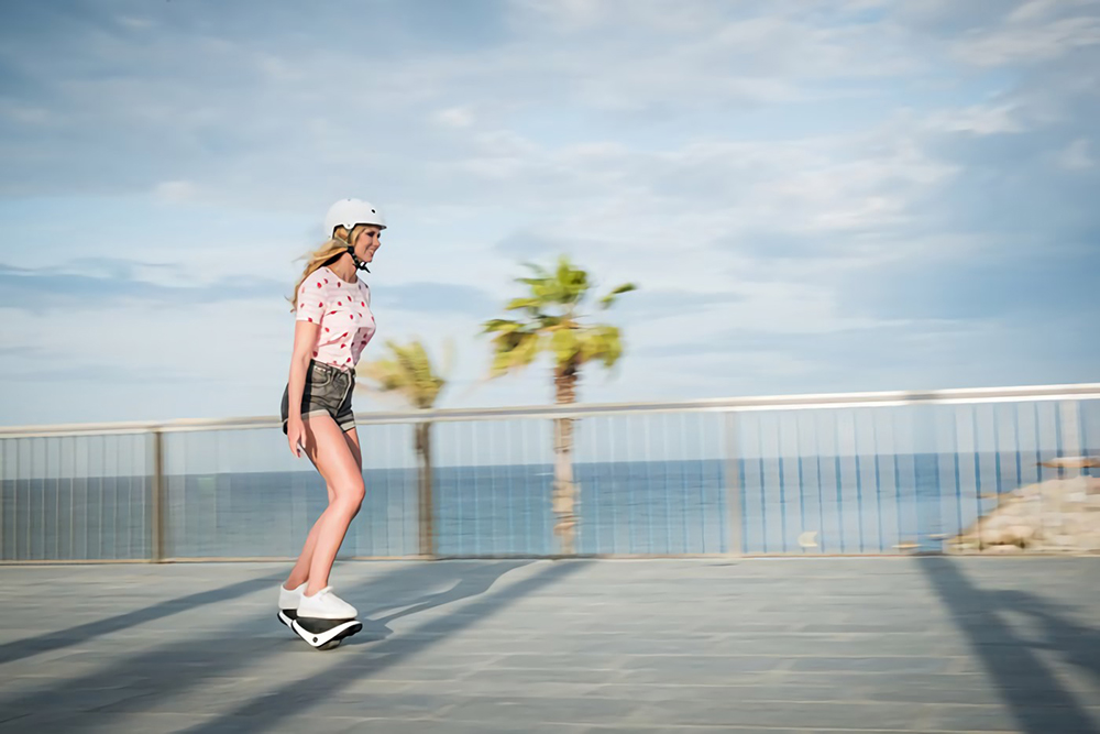 세그웨이가 만든 발바닥 사이즈 전동휠 - 얼리어답터