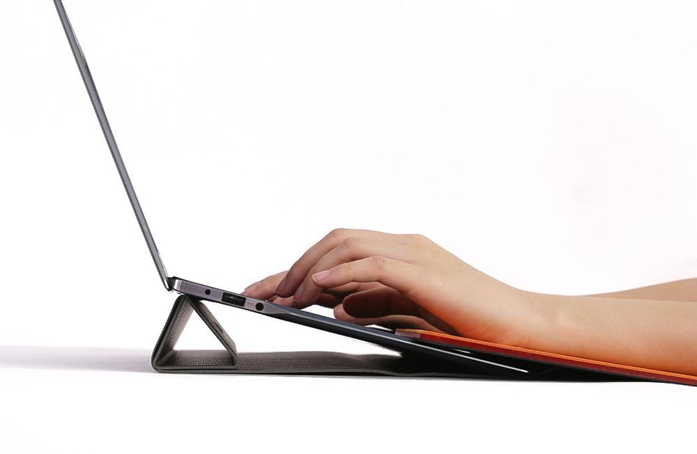 타이핑과 마우스 사용을 배려하는 노트북 스탠드