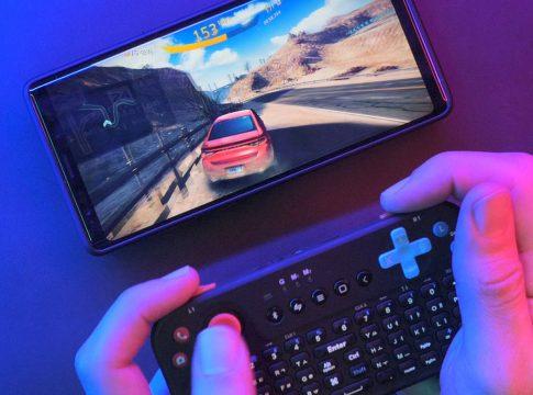 스마트폰 게임 고수가 되기 위한 장비 : 파워 베슬 미니 게이밍 키보드